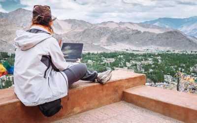 How to make money travelling